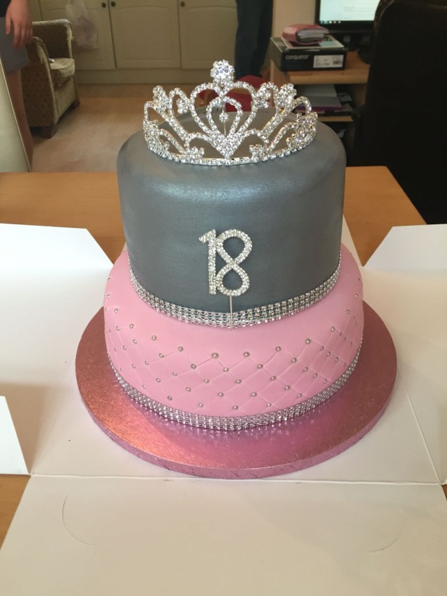 Birthday Cakes For 17 Yr Old Girl Girls 18th Birthday Cake Parties And Events Pinte