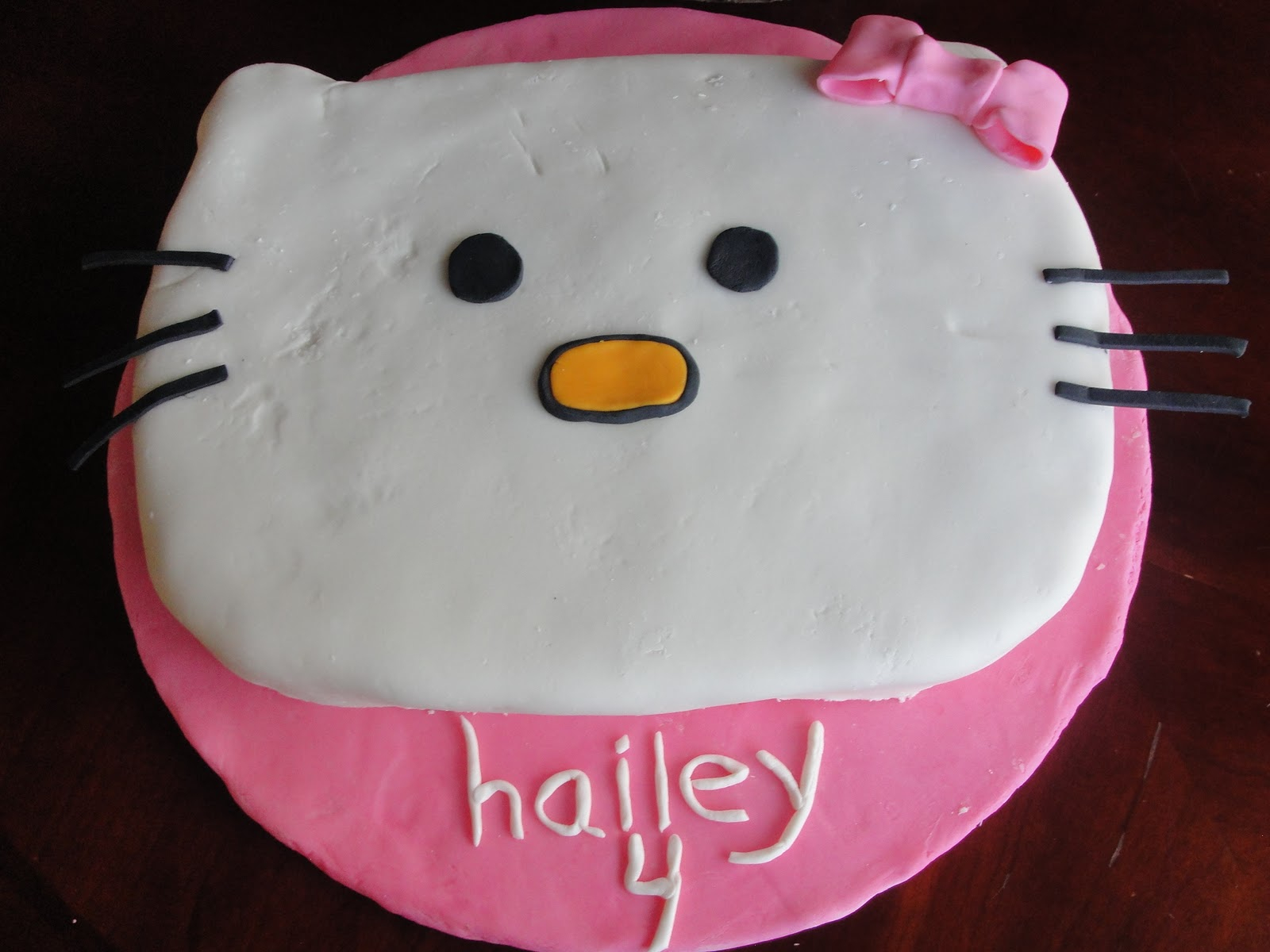 Birthday Cakes For 8 Years Old Girl Kt Kakes Hello Kitty Cake And Cupcakes