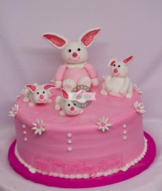 Bunny Birthday Cake Fondant Bunnies Birthday Cake From Cinottis Bakery