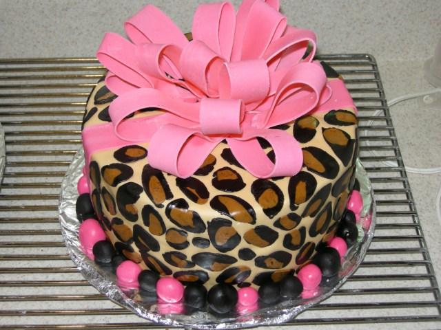Cheetah Print Birthday Cakes Leopard Print Birthday Cake Gumpaste Bow Marshmallow Fond Flickr