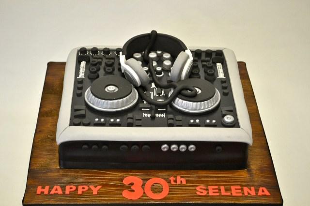 Dj Birthday Cake Dj Decks Cake Boys Birthday Cakes Celebration Cakes Cakeology
