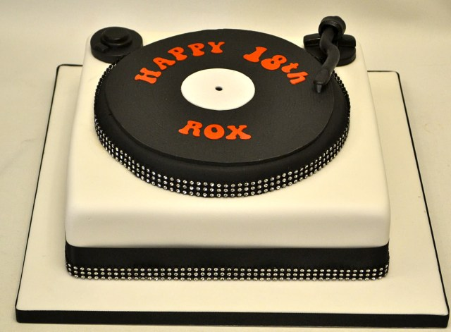 Dj Birthday Cake Dj Turntable Cake Adult Birthday Cakes Celebration Cakes Cakeology