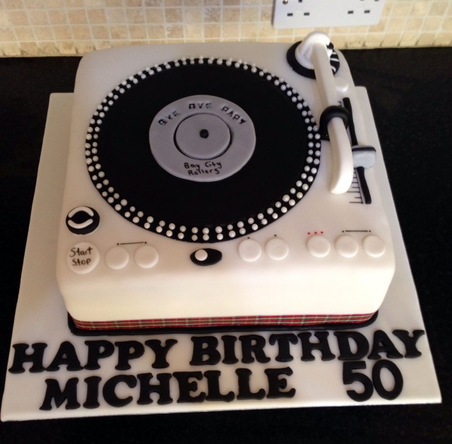 Dj Birthday Cake Record Player Cake Cake Design Pinterest Cake Dj Cake And