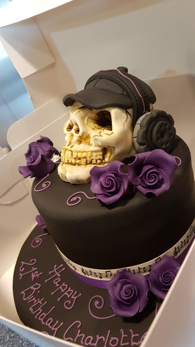 Dj Birthday Cake This Skeleton Dj 21st Birthday Cake A Co Worker Made Mildlyinteresting