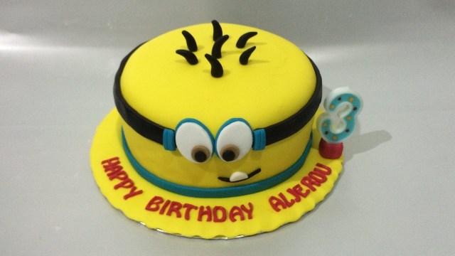 Minions Birthday Cake Minion Cake Fondant How To Make Easy Birthday Cake Youtube
