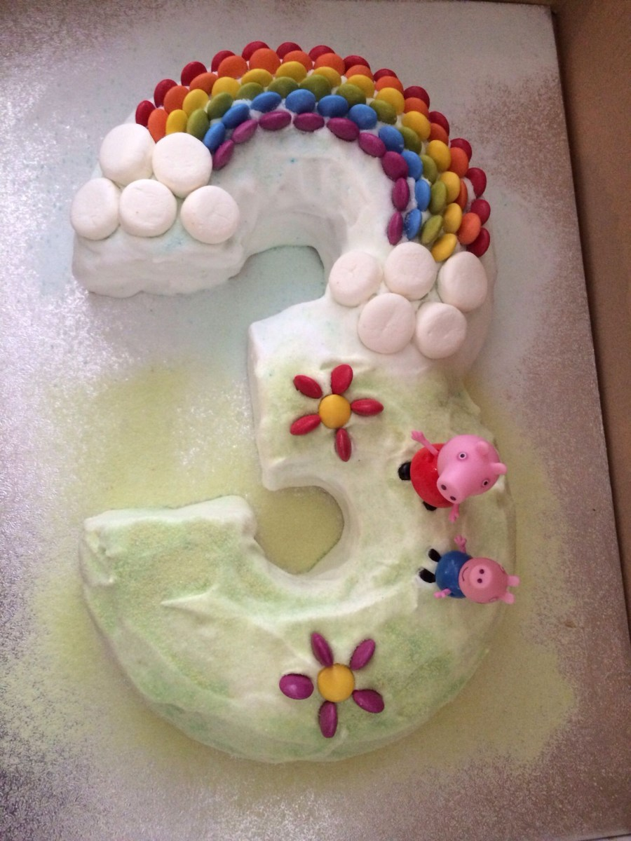 Number Birthday Cakes My Attempt At A Number 3 Peppa Pig Birthday Cake With Smartie