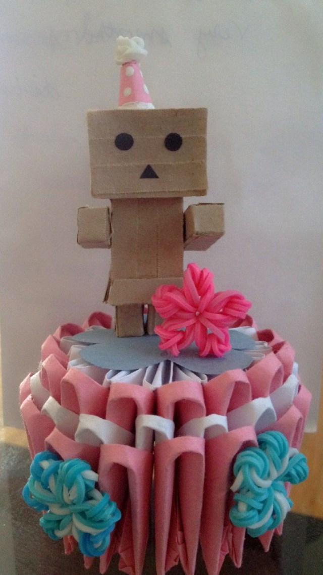 Origami Birthday Cake 3d Origami Mini Birthday Cake With A 3d Quilled Danbo As A Cake