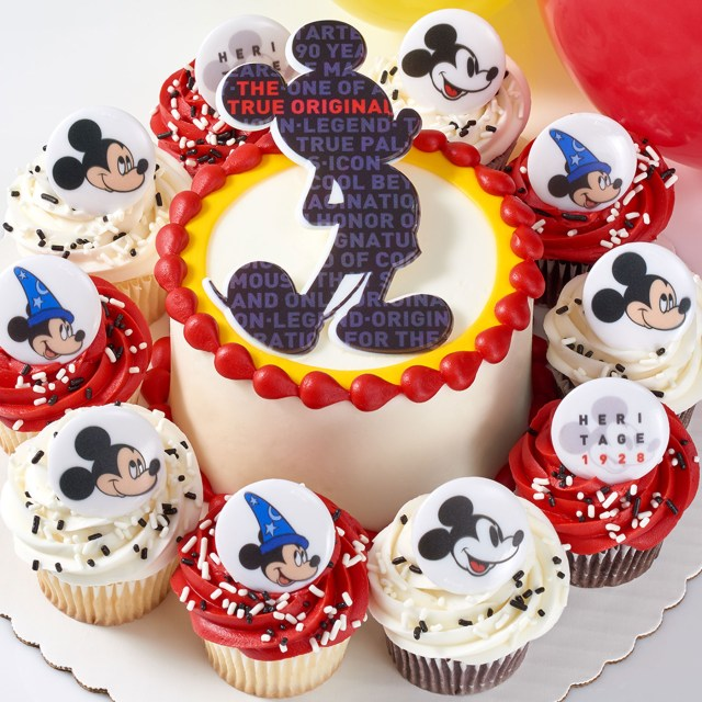 Sams Club Birthday Cake Sams Club Is Selling 3 Tier Mickey Mouse Cakes For The Characters