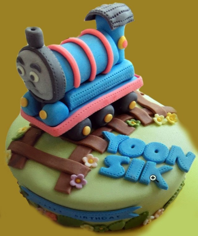 Train Birthday Cakes Buy Online The Thomas Train Birthday Cake For Kids At Best Prices