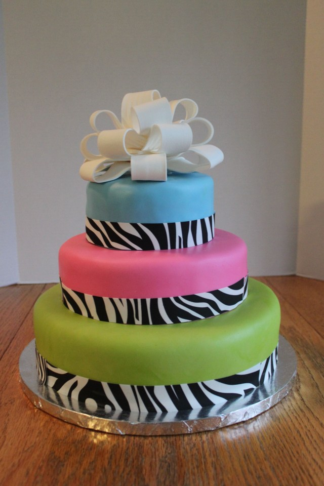 Unusual Birthday Cakes I Like This Cool Birthday Cake Cool Birthday Cakes Pinterest