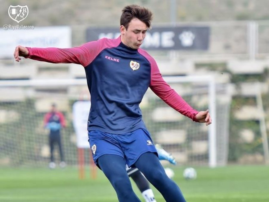 Barcelona ka nënshkruar me talentin e Rayo Vallecanos