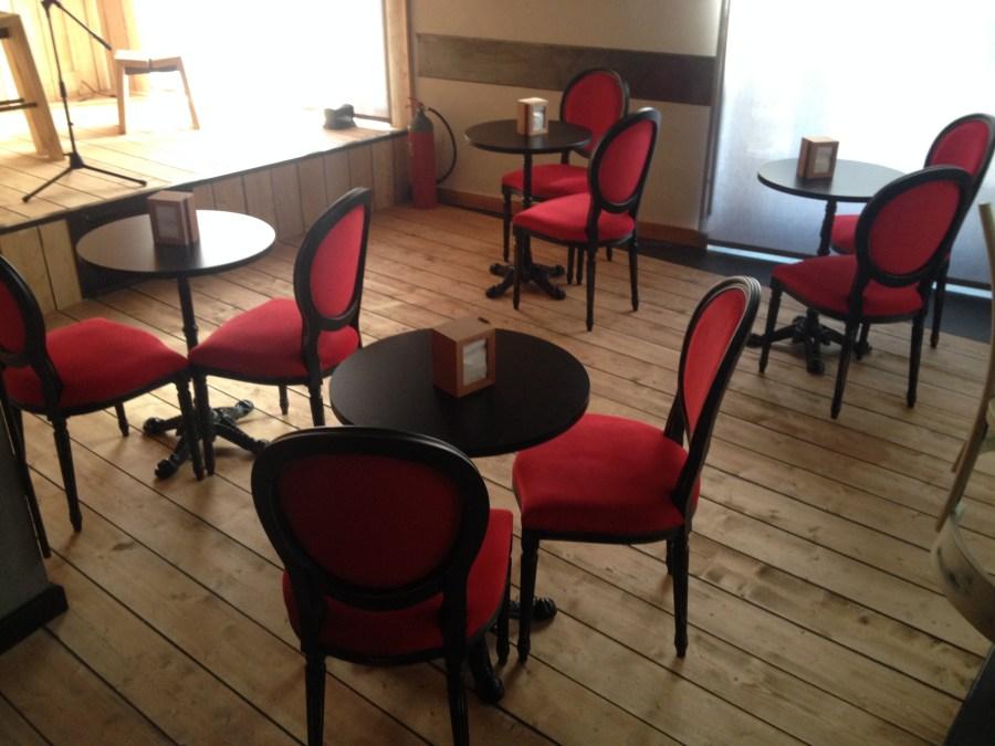 Acquistare mobili ed arredi per ristoranti e pub direttamente in fabbrica senza intermediari