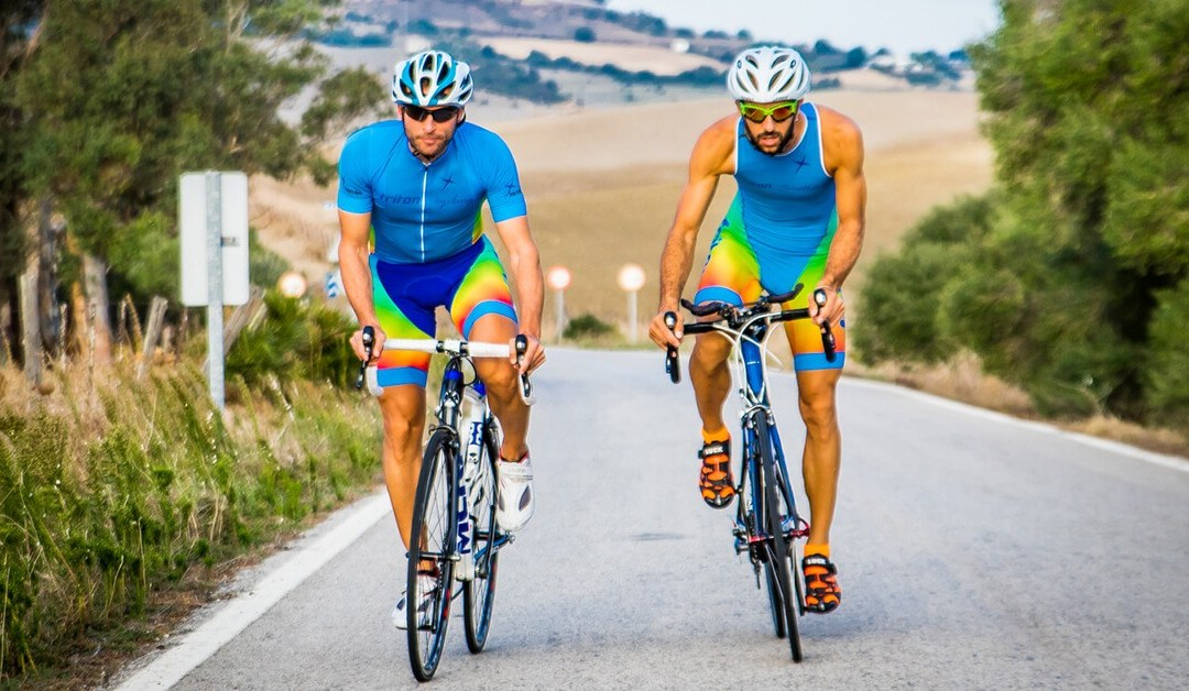 Cómo equilibrar el ON y el OFF en la estrategia de marketing de una marca de ciclismo o triatlón