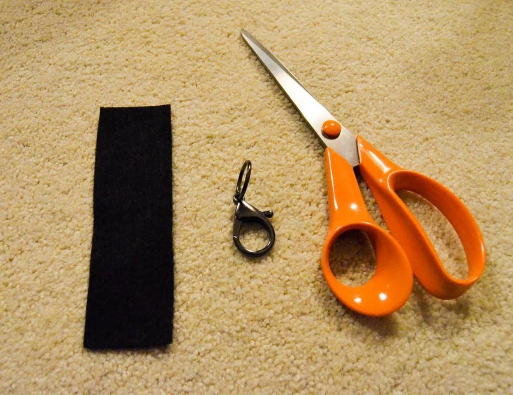 cut black felt