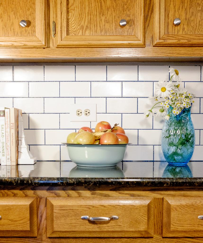 Subway tile backsplash with stainmaster glamour grout for Tile backsplash without grout