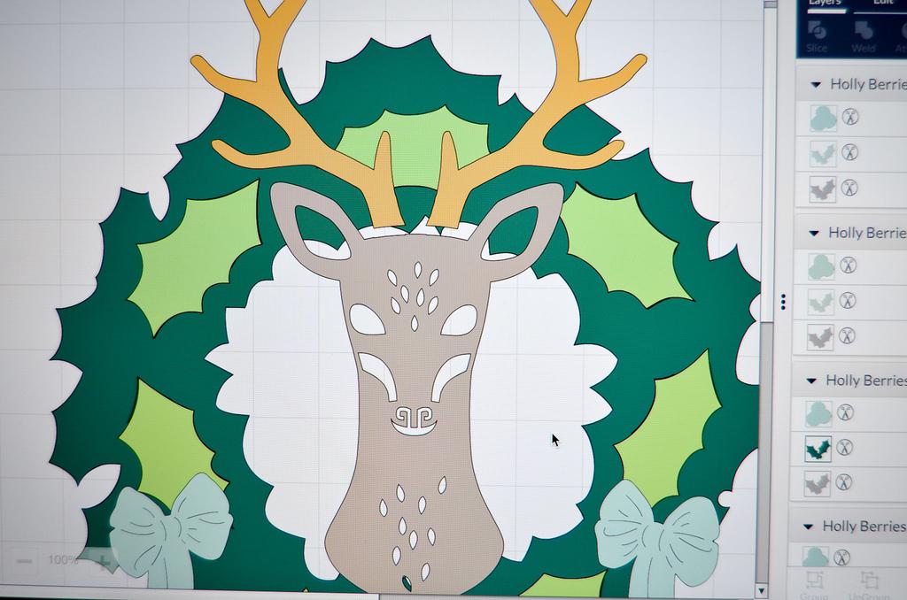 reindeer wreath design