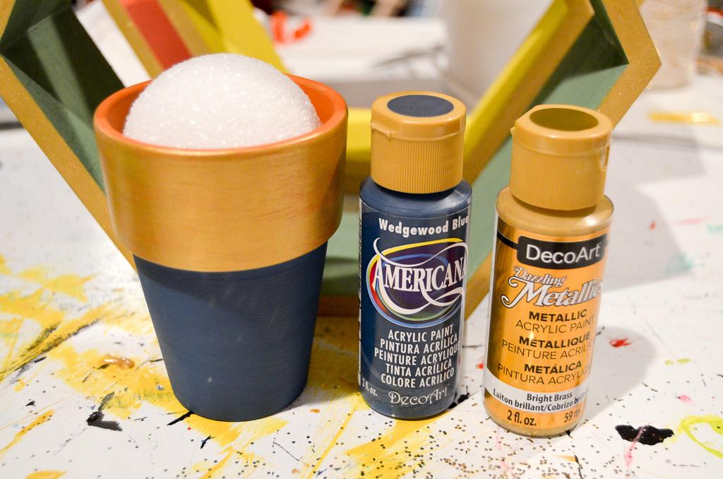 paint flowerpot