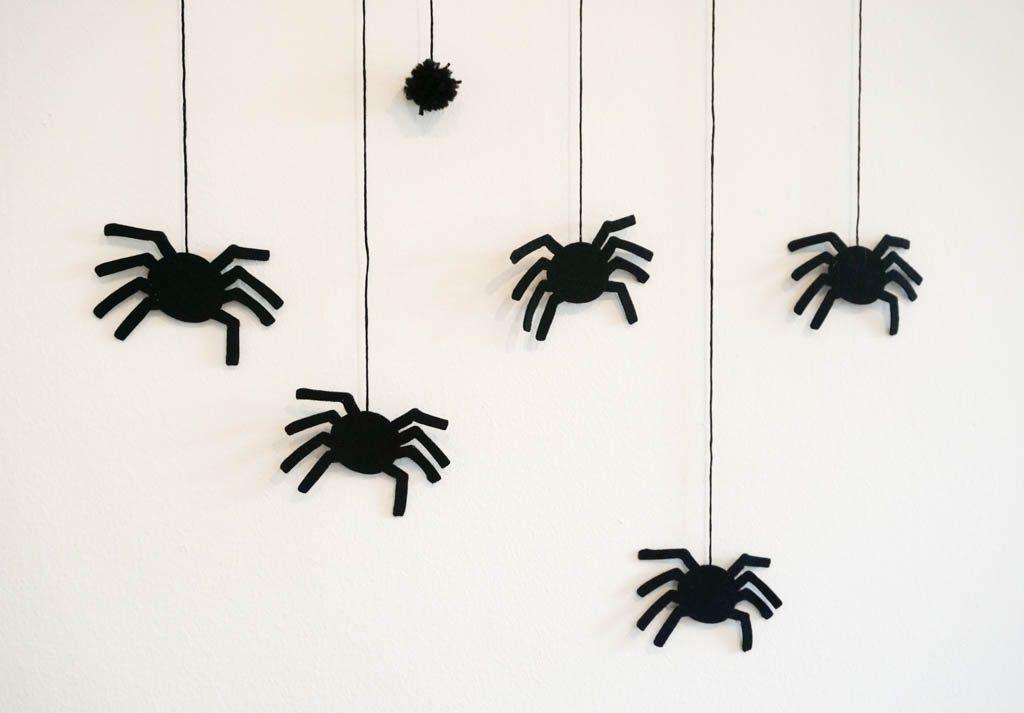 Hanging Spiders Decoration