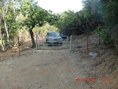 Des barrières pour empêcher les vaches de s'échapper