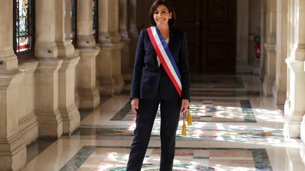 Anne Hidalgo Toma Posesión Como Alcaldesa De París