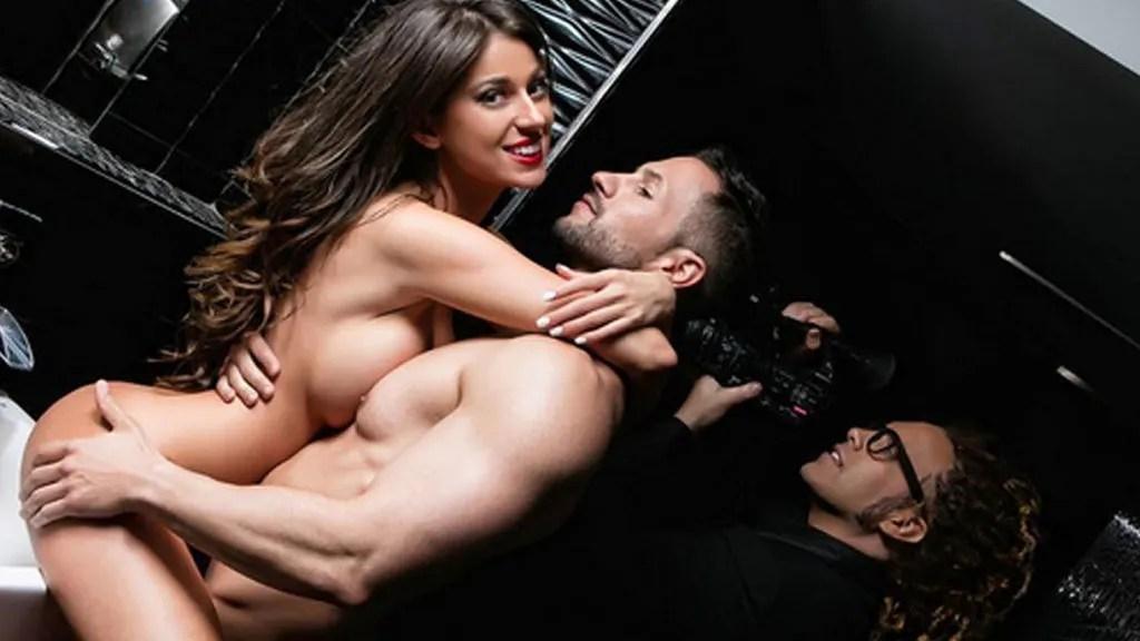 Simona de GH 17 posa desnuda junto a su novio para