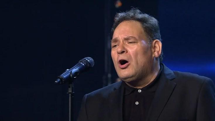 """Jon cantó a la memoria de sus padres y se llevó el pleno del jurado: """"Tienes un don"""""""
