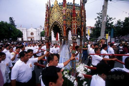 聖母堂150歲 萬金湧10萬人 - Michalle的部落格 - udn部落格