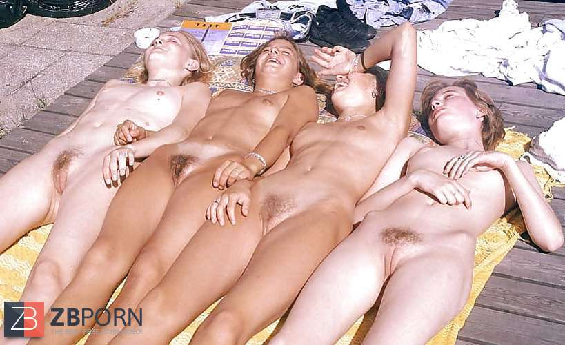 Group naked women Category:Front views