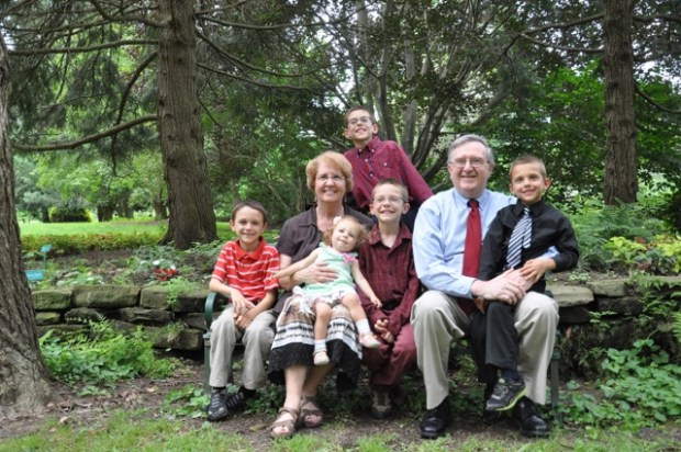 Grandparents with all the Grandkids