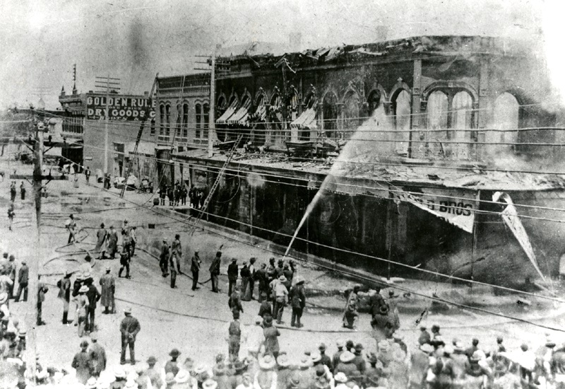 Grant Opera House on fire, 1897, Courtesy Albuquerque Museum, PA1978.50.85