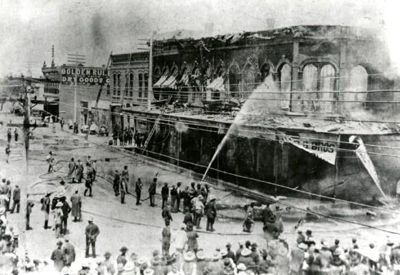 Grant Opera House on fire, 1897, Courtesy Albuquerque Museum, PA1978.50.85