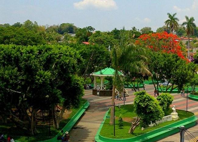 ilobasco-parque-central