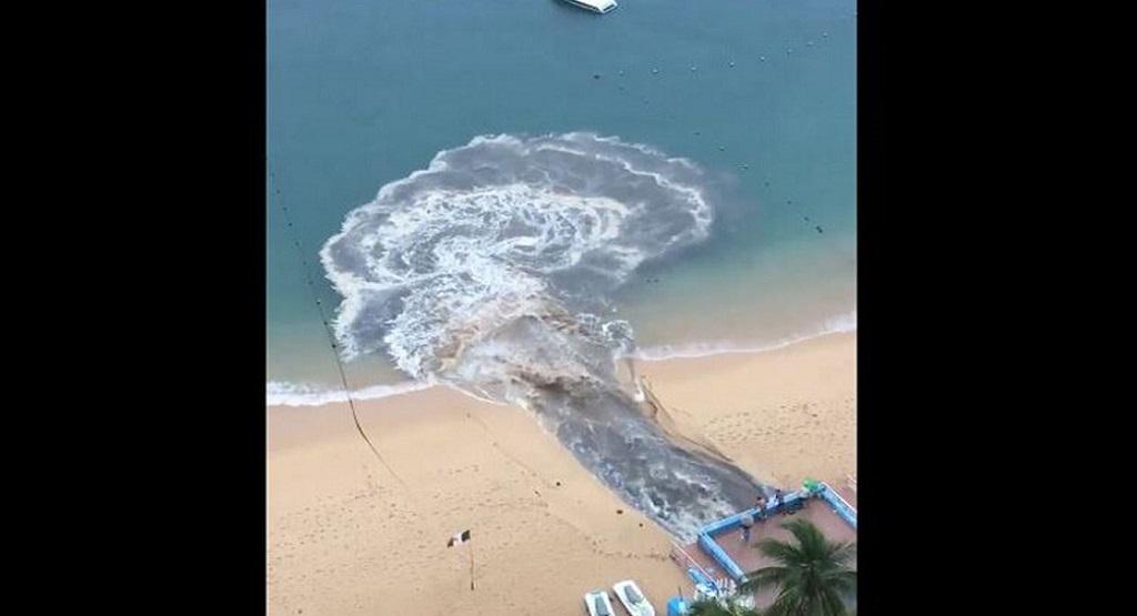 Contaminación de playa Icacos en Acapulco