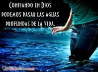 confiando-en-dios-podemos-pasar-las-aguas