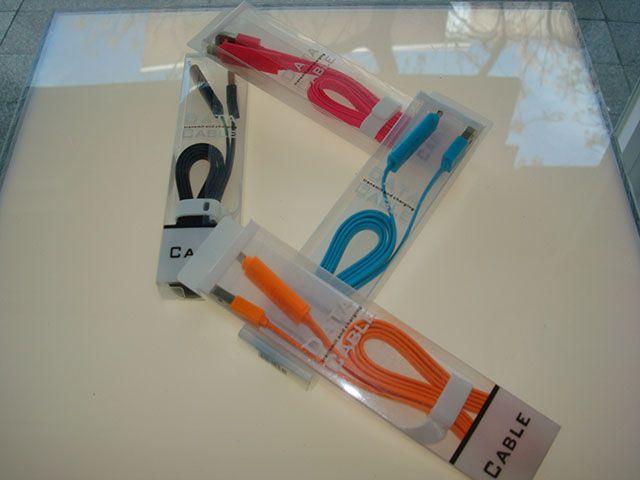 """Único en Alcorcón.Cables conectores de """" 1 metro"""" para productos Apple a 4€ diciendo que vas de AlcorconHoy."""