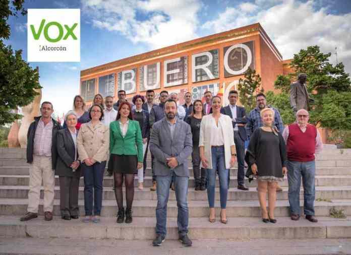 """En palabras de VOX """"Hasta para pedir una copia de un planto han incrementado los pagos"""". VOX denuncia la subida de impuestos en Alcorcón."""
