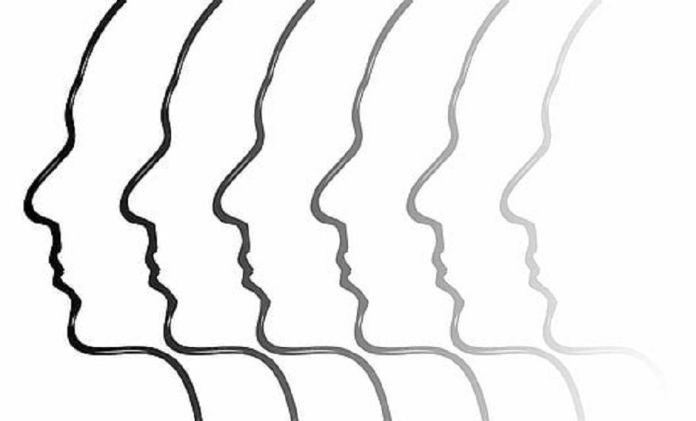 Más de 300 llamadas al día de media en el teléfono de apoyo psicológico