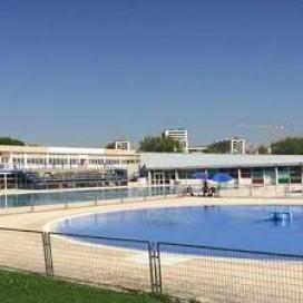 Distanciamiento y seguridad sanitaria. Las piscinas de Alcorcón solo al 30%.