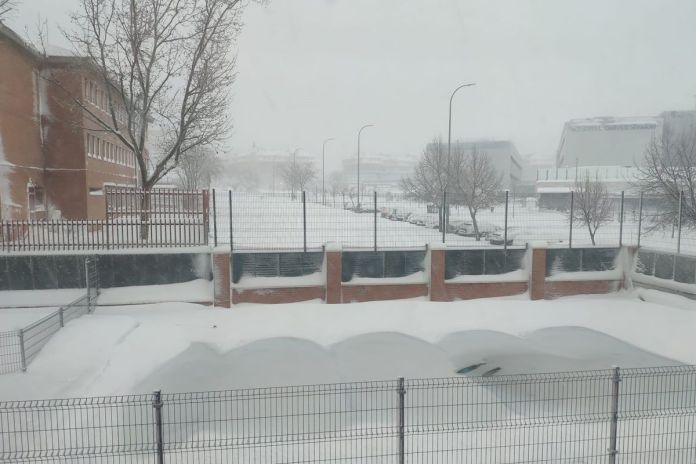 Cerrados los colegios y centros educativos en Alcorcón hasta el miércoles por la nieve