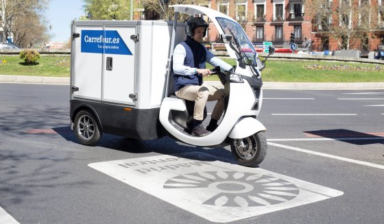 carrefour-electric-vehicle-delivery