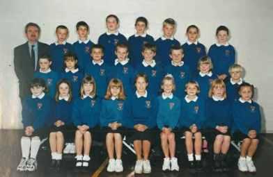 Mr Murray's Class 2000/2001,