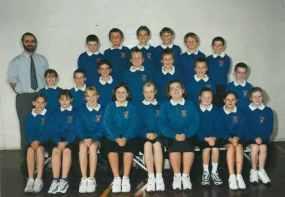 Mr Wright's Class 2000/2001.