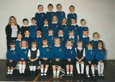 Miss Hall's Class 2000/2001.