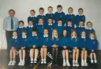 Mr Hatton's Class 2000/2001.