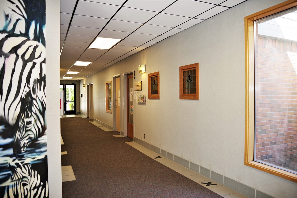 Redmond, hallway toward Suite 114