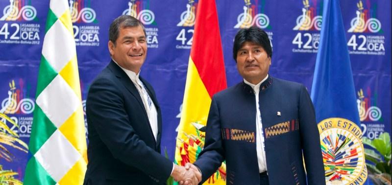 Saludo de los Presidentes Evo Morales y Rafael Correa  Cochabamba (Bolivia), 4 de Junio 2012. En el Hotel Regina Tiquipaya se dio el encuentro entre los Presidentes Evo Morales y Rafael Correa, en el margen de la 42 Asamblea General de la OEA que se lleva a cabo en Cochabamba hasta el día de mañana. Foto: Fernanda LeMarie - Ministerio de Relaciones Exteriores, Comercio e Integración.