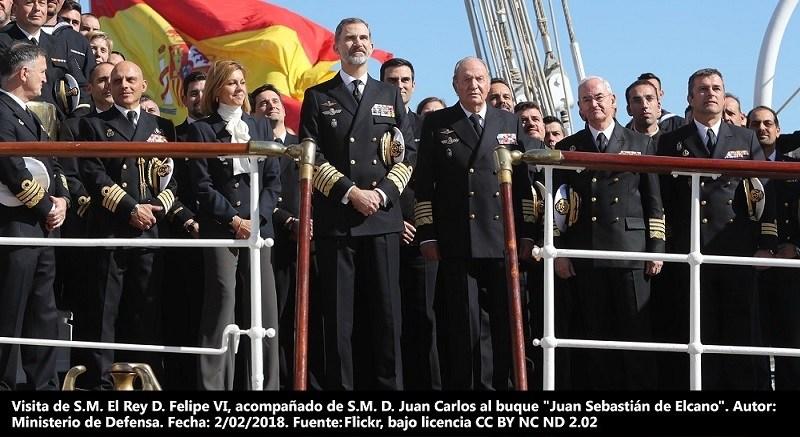 """Foto destacada: Visita de S.M. El Rey D. Felipe VI, acompañado de S.M. D. Juan Carlos al buque """"Juan Sebastián de Elcano"""". Autor: Ministerio de Defensa, 2/02/2018. Fuente: Flickr (CC BY NC ND 2.0.)"""