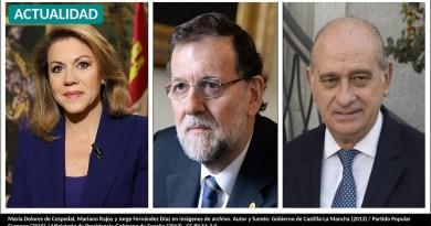 María Dolores de Cospedal, Mariano Rajoy y Jorge Fernández Díaz en imágenes de archivo. Autor y fuente: Gobierno de Castilla-La Mancha (2013) / Partido Popular Europeo (2015) / Ministerio de Presidencia-Gobierno de España (2013). CC BY-SA 2.0.
