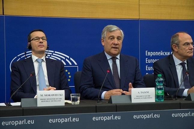 Mateusz Morawiecki, (Primer ministro de Polonia), Antonio Tajani (Presidente del Parlamento Europeo). Autor: Olaf Kosinsky (kosinsky.eu), 04/07/2018  (CC BY-SA 3.0-de)