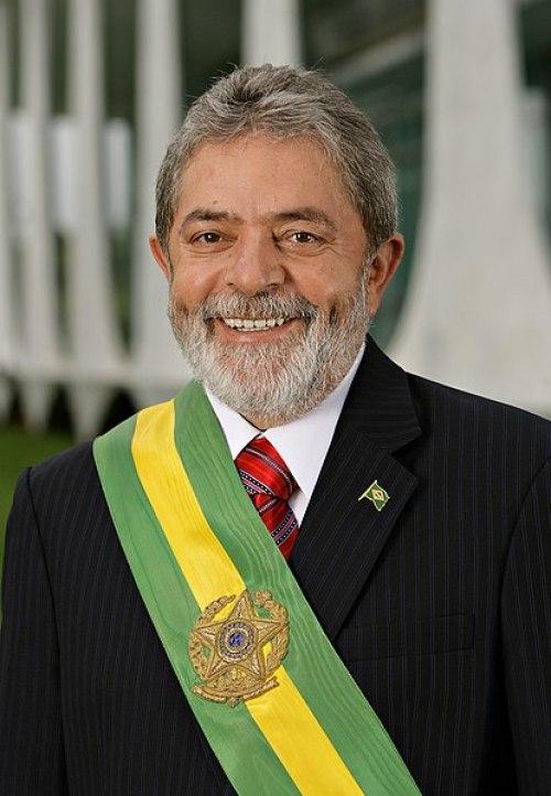 El expresidente de Brasil, Luiz Inácio Lula da Silva, presionado por el ejército de Brasil. Autor: Ricardo Stuckert, 05/01/2007. Fuente: Agencia de Brasil. (CC BY 3.0).